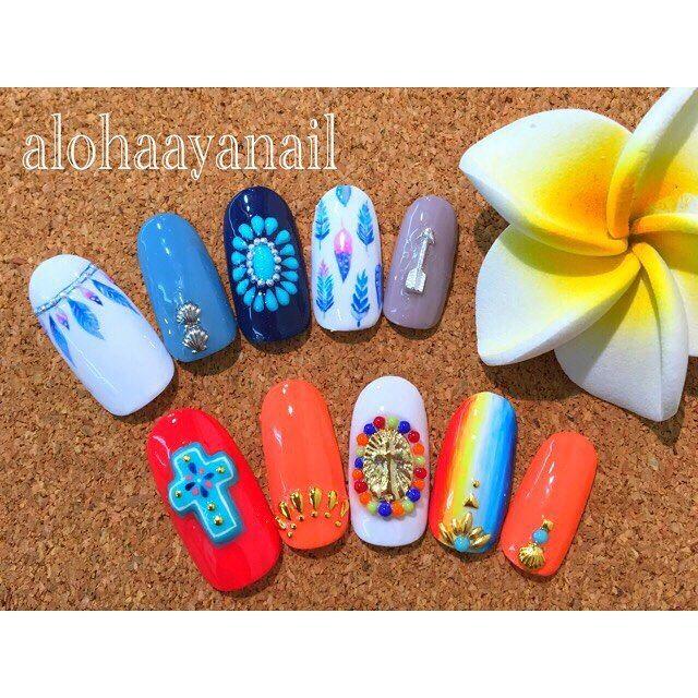 WEBSTA @ alohaaya26 - 流行りのメキシカンとフェザーnail🌵🌺フェザーは#alexiastam の水着を参考に💙🌴🌴**そろそろ秋ALOHAネイルを考えます🙄🌿🌺*#ネイル#nail#nails#nailart#フェザー#メキシカンネイル#サラぺ#ターコイズ