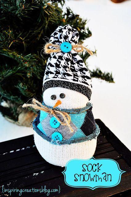 Bonhomme de neige avec une chaussette blanche et du riz