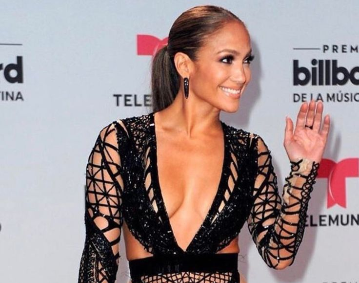 "Jennifer Lopez debuted a new song at the Billboard Latin Music Awards. ""Mirate"" is a ballad off her upcoming Spanish language album."