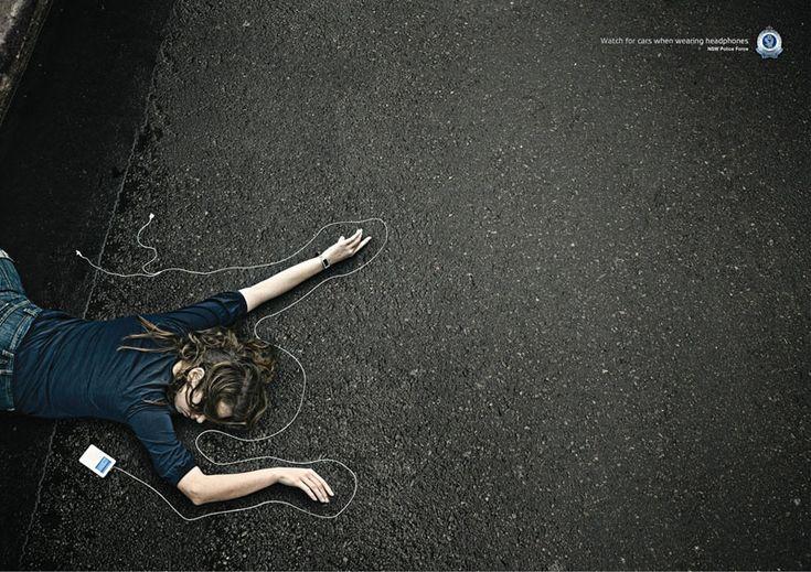 Ten cuidado cuando escuchas musica.