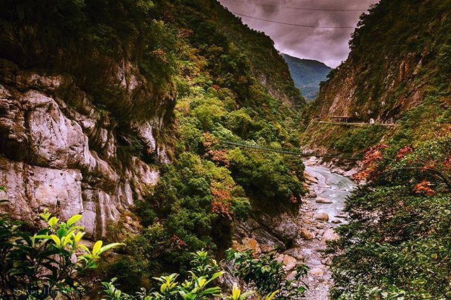 The gorges in the national parks are absolutely stunning!! Hualien Taiwan Beautiful scenery @instagramtaiwan @instagram  Copyright 2017; all right reserved . . . . #hualien #hualian #taiwan #instagood #stevenhendricksphotography #photography #photograph #iphone7plus #photooftheday  #taiwantrip #taiwanlife #travel #travelgram #travelblogger #travelpics #love #instagoodmyphoto #justgoshoot #peoplescreatives #exploretocreate #passionpassport @discoverearth #theoutbound  #rainbow #taiwangram  #lifeofadventure #BestVacations #Worldtravelbook #igerstaiwan #igers