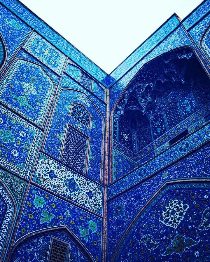 Isfahan is blue city. Photo by :nilo Www.invitationtoiran.com/isfahan  . . . . . . . . . #Iran #invitationIran #invitationtoiran  #visaIran #Iranianvisa #travelIran #newsIran #Iranmap #Irantravelagency #Irantours - #Irantourism #isIransafe #cheaptravelIran #visitIran #travelIran #travel #tourism #froum #iranfocusedforum #Irantravelers