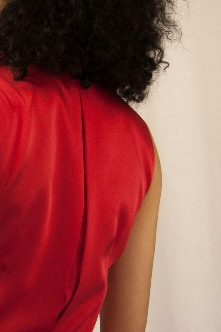 #ETURELCRISTINE  Mono con estilo lencero. Disponible en Varios colores + info@eturel.com  shop-> http://eturelshop.com/product/eturelcristine-rojo  Eturel Eturelpv2017 Invitada Invitada Perfecta Saten Seda Satinado Look Chicas Invitadas Diferentes Invitadas con Estilo 90´s Moda Style Fashion Moda Wedding Guest Fashion of the day  Chic Wedding Wedding Guest Look Of The Day