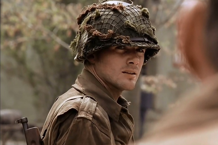 Was watching Band of Brothers when suddenly Matthew Settle (Capt. Speirs) appears. I love men in uniform.