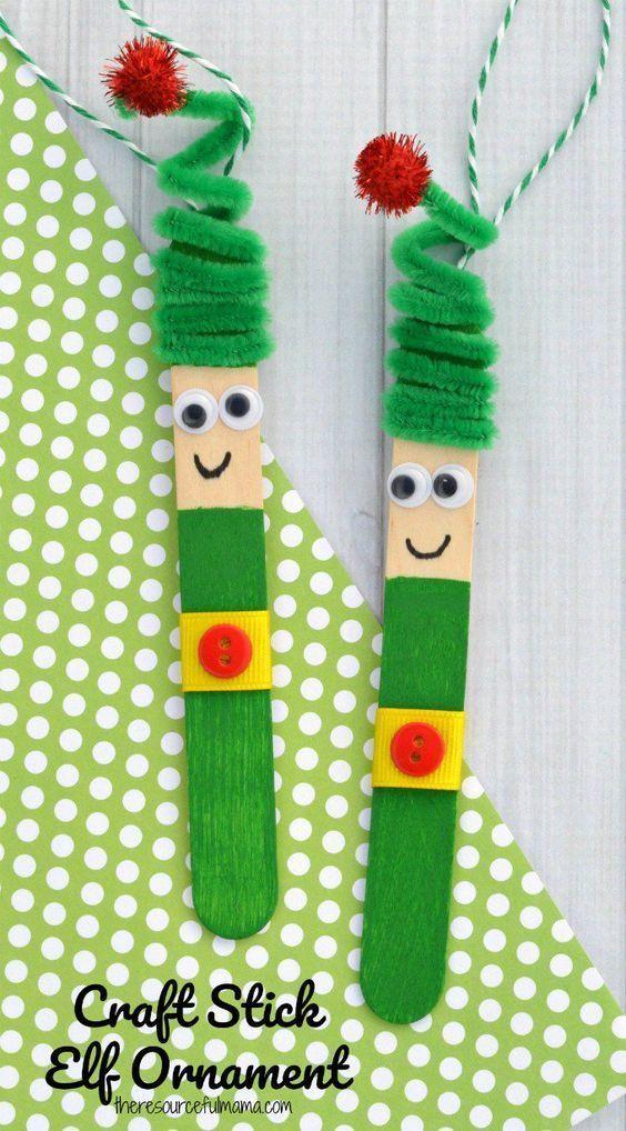 Kinder werden es lieben, dieses lustige Handwerk Stick Elf Ornament aus einem Ha