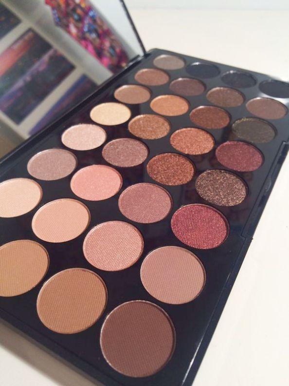 Makeup News. Make-up Revolution Cut Crease Leinwand – Make-up Revolution Schoko …   – Makeup Collection Goals