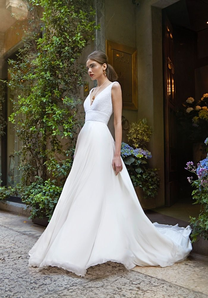 Demi from the 2017 Stephanie Allin Bellissimo collection #weddingdress