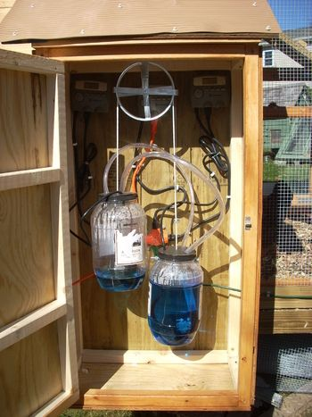 Brilliant! I want to do this. (DIY automatic chicken POP door opener/closer)