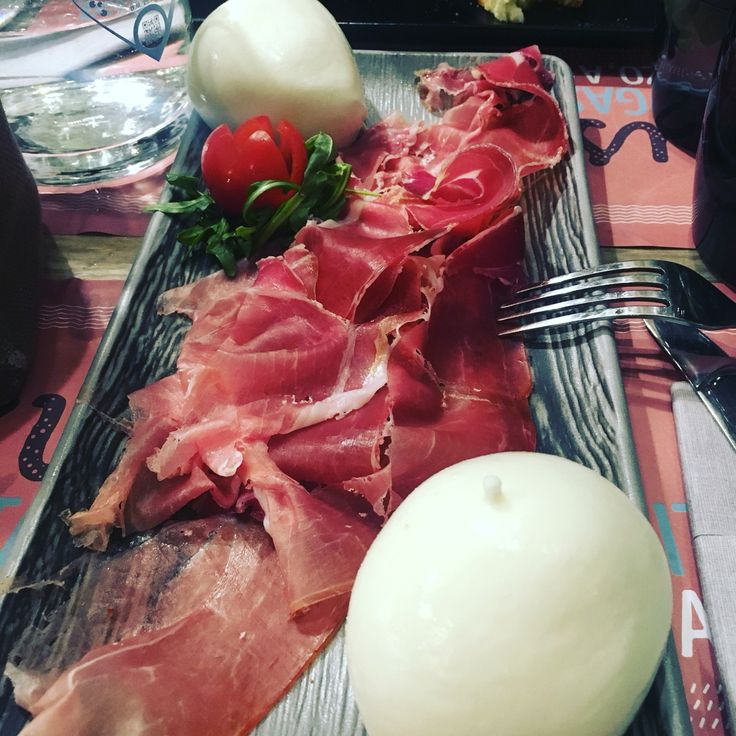 Perfect way to start a private food tour. In Rome.