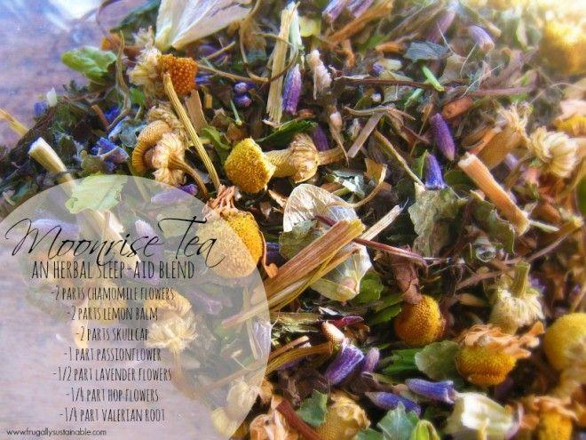 Sleepless nights? Make your own herbal sleep aid loose leaf tea blend easily at home! #herbalmedicine #planthealers