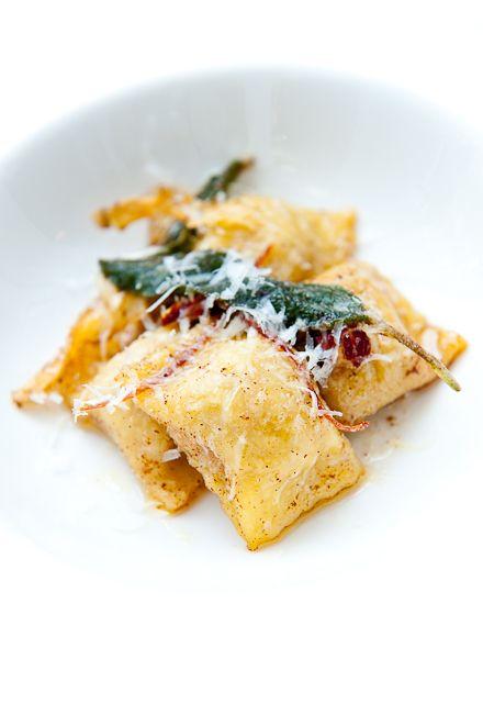 Butternut Squash Agnolotti w / Brown Butter, Salbei und Pecorino | Kann Zen kochen