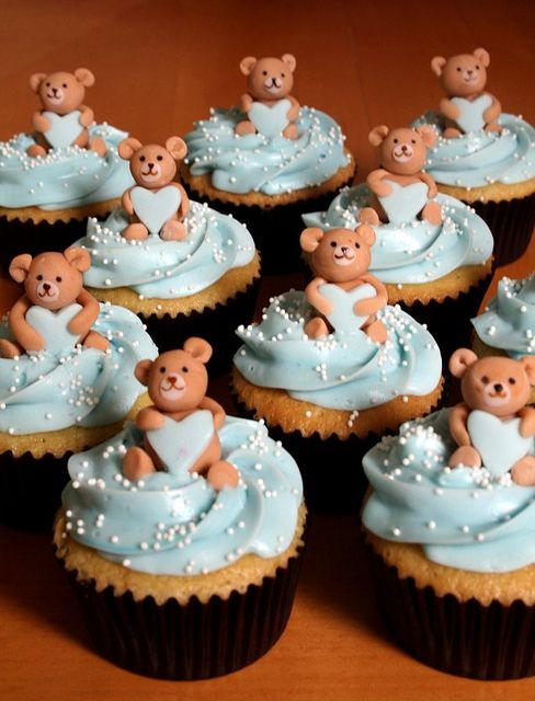 teddy bear cupcakes....they need bows of course!