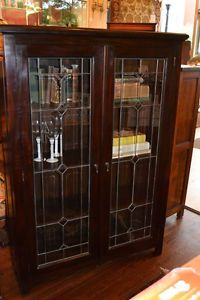 Classic Look   Bookcase With Leaded Glass Doors.
