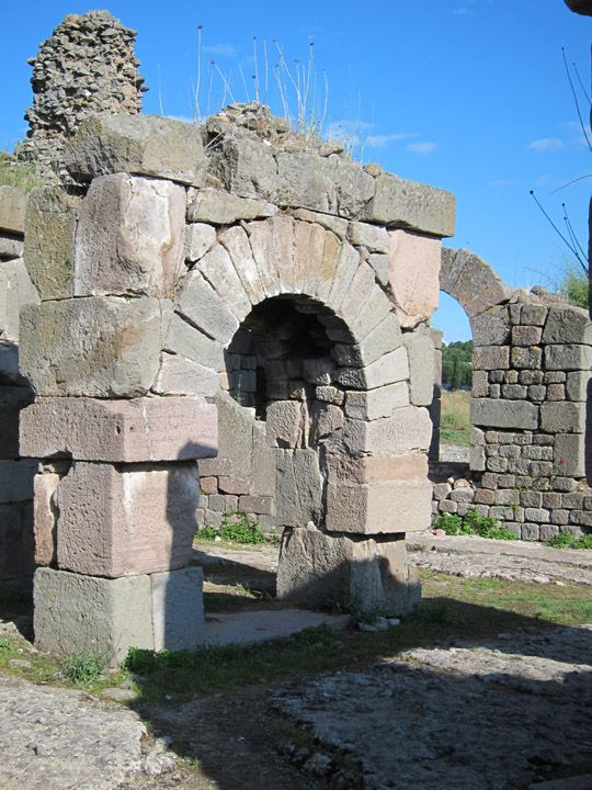 massive arch, Ascelpium, Pergamon, Turkey