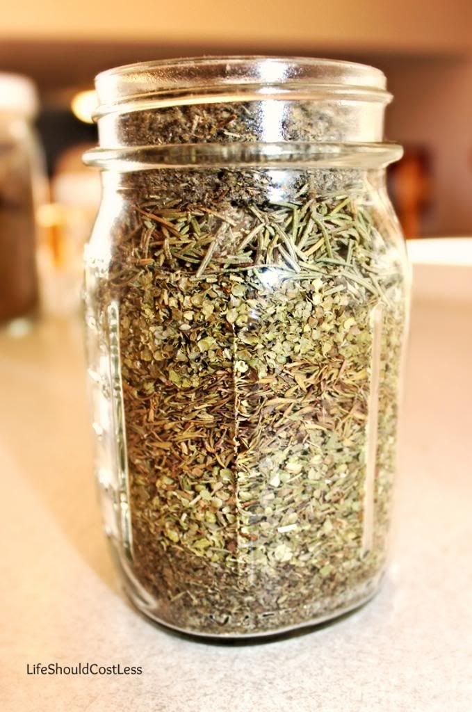 Bulk Italian Seasoning Recipe. It Fills a Pint Jar! Perfect for all your favorite recipes but without all the processed junk!