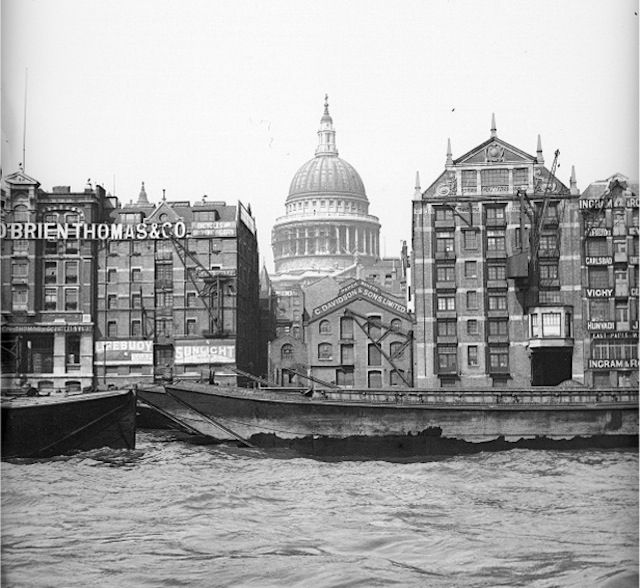 St Paul's, where the Millennium Bridge now spans the Thames...  From...  http://londonist.com/2011/07/old-photos-of-london-at-tower-bridge.php