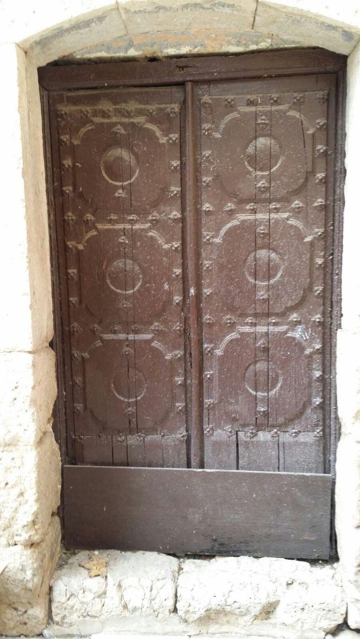 Portón de madera viejo