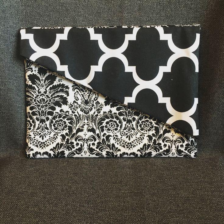 "Polubienia: 14, komentarze: 3 – Dominika Fedorowicz (@viscari) na Instagramie: ""I think by now you get that I like black and white palette 🎨 monochromatic fold over clutch with a…"""