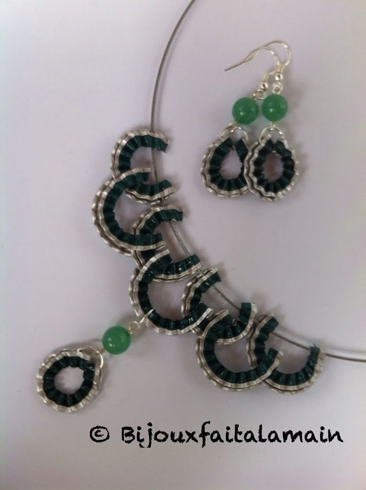 Nespresso DIY: How to make a waved jewelry set with capsules.