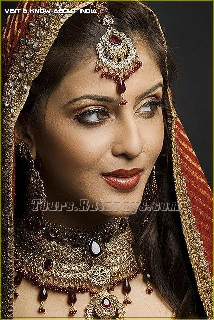 Tourist Attraction India: Indian Bridal Dress