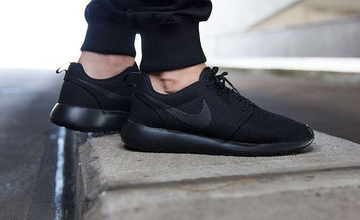 "Nike Roshe One ""Triple Black"" | Cool Material"