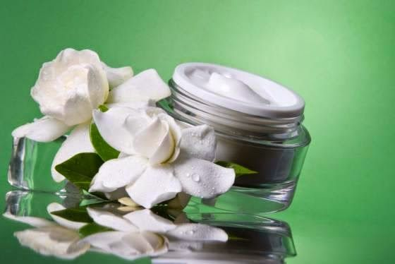 Moisturizer Natural: A Information to Acquiring a Excellent Pure Eye Moisturizer Moisturizer Natural - Some of these harmful components are sunshine rays, severe substances, pollutants and quite a few other more that could direct to troubles these kinds of as dry pores and skin.