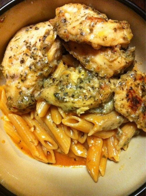 Crockpot garlic pesto chicken w tomato cream sauce, yuuuum