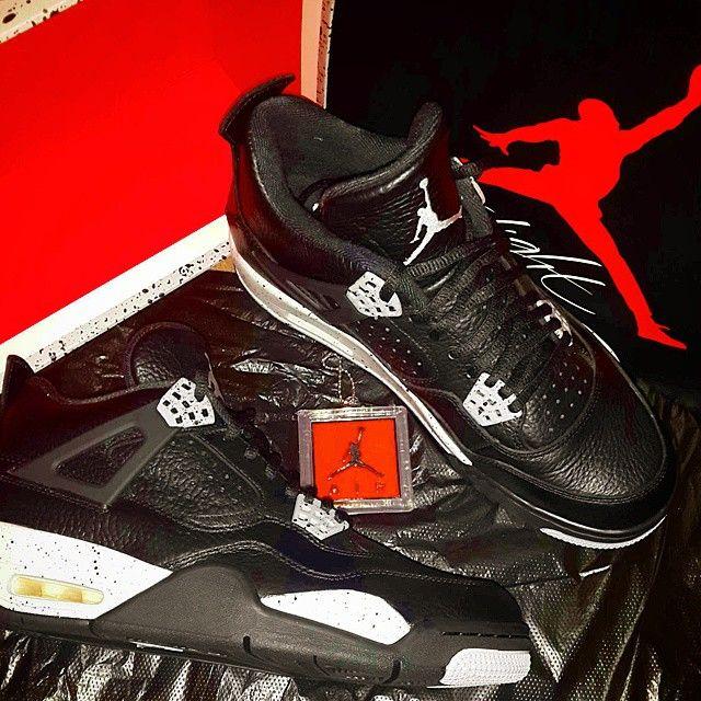 Jordan Oreo 4s. Many thanks to @sanjdeo #hesgotkicks #oreo #crepcheck #jordan #jordan4 #igsneakercommunity #shesgotkicks #sneakerheaduk #red #black #fresh #nike #retro #Js #kicks #trainerhead #crepgame #crepecity