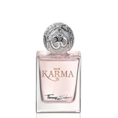 Eau de Karma is a sensual-fresh fragrance that – like refreshing summer rain – has a soothing influence on body, mind and soul. Its precious essences capture the spiritual symbolism of traditional East Asian teachings and bring them to life. This feminine fragrance makes a vibrant entrance with its head notes of freesia, apple and blackcurrant. The heart note is defined by the subtle lotus flower in harmony with peonies, while the base enchants with the soft tones of amber, cedar wood and…