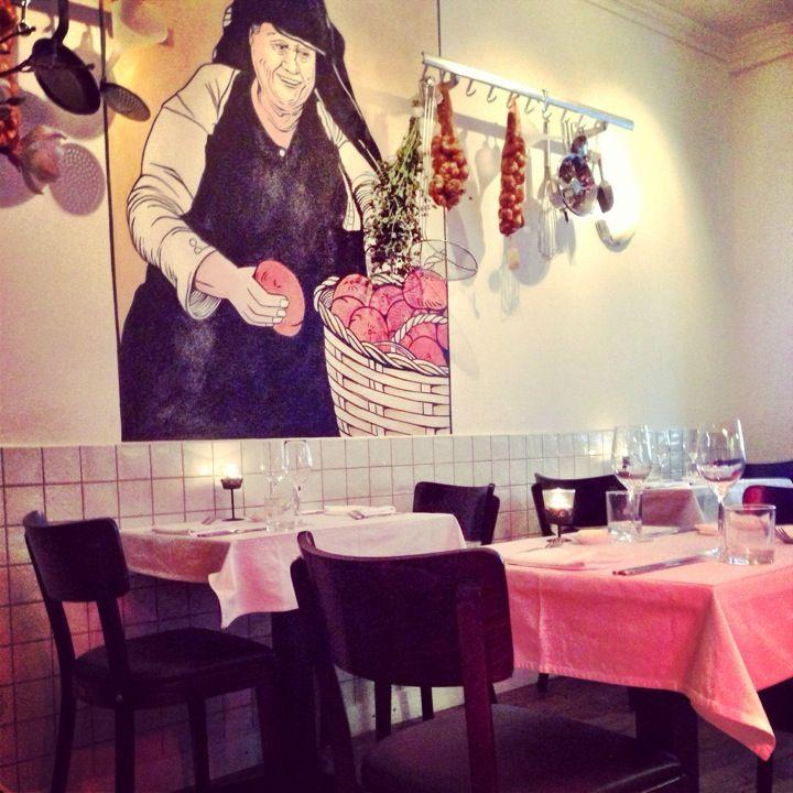 De keuken van Gastmaal in Utrecht, Utrecht - Bij De Keuken Van Gastmaal is de filosofie helder: het product staat centraal en smaak staat voorop.Op onze menukaart staan daarom gerechten van het seizoen, bereid met duurzame vis, biologisch vlees en lokale groenten - www.dekeukenvangastmaal.nl