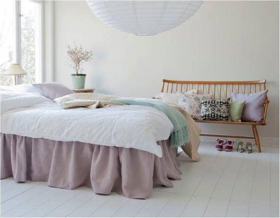 Sängkappa i lavenderton, lite spännande