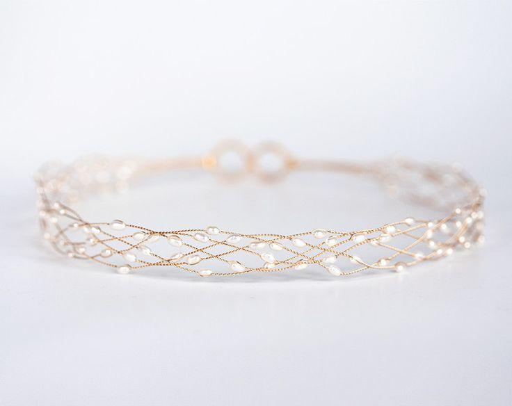 Haarschmuck & Kopfputz - Natürliches weißes Perlenstirnband, Goldtiara - ein Designerstück von Arsiart bei DaWanda