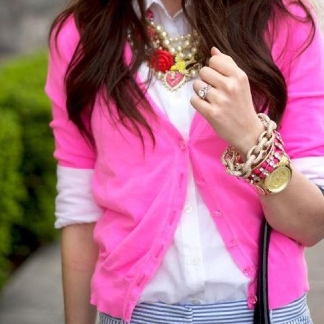 Love the bright colors and bright jewelry