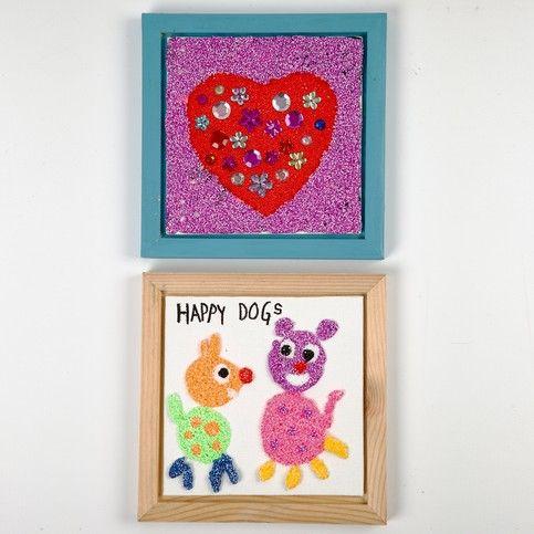 12453 Foam Clay op een ingelijst canvaspaneel, frame is geschilderd met Plus Color acrylverf.