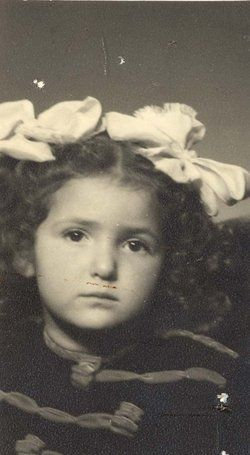 Evi Rosenfeld (1938 - 1944) murdered in the Holocaust in 1944. Birth date and angel date is unknown.