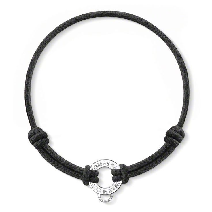 Black elastic bracelet encased with fabric. Size can be adjusted by sliding the knots. Up to three Charms can be attached to the carrier, which is attached by loops. (Width: 1.4 cm)