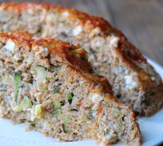 Recette facile de pain de viande à la dinde, courgette et fromage feta!