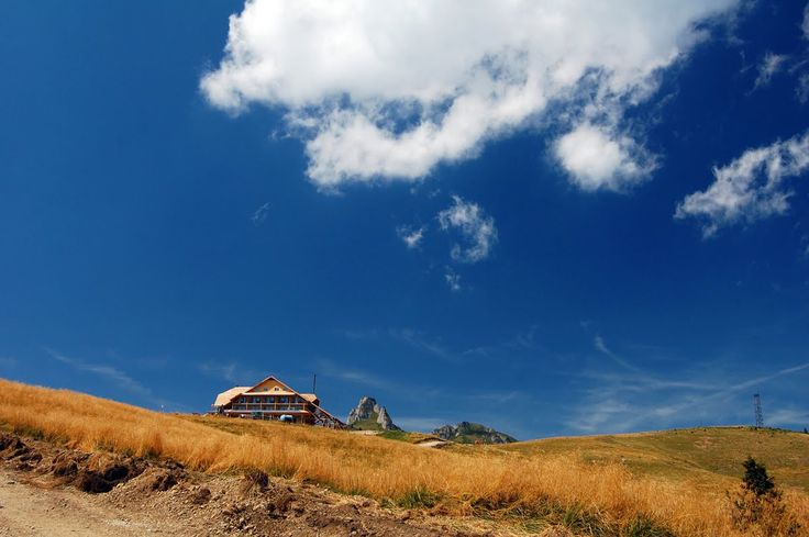 Pe unde am fost...: 2010.AUGUST.28 Muntele Rosu - Cabana Ciucas
