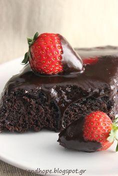 Posno-Ένα σοκολατένιο κέικ (νηστίσιμο) που κανείς δεν θα καταλάβει οτι δεν περιέχει αυγά. Πετυχαίνει πάντα και το αποτέλεσμα εντυπωσιάζει όποιον το δοκιμάσει!