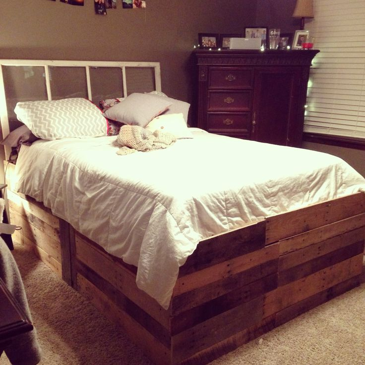 Pallet bed frame house pinterest beds pallet bed for Pallet king bed frame