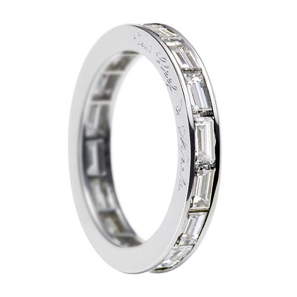 バゲットカット エタニティリング - Van Cleef & Arpels(ヴァン クリーフ&アーペル)の結婚指輪(マリッジリング) 結婚指輪・マリッジリングの参考に♡ヴァンクリーフアーペル の一覧を集めました♡