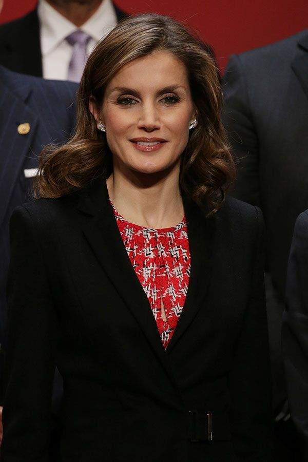 King Felipe and Queen Letizia attended the delivery ceremony of the Gold Medal for Merit in Fine Arts 2015, in San Sebastian | 05.12.2016 - click to read more