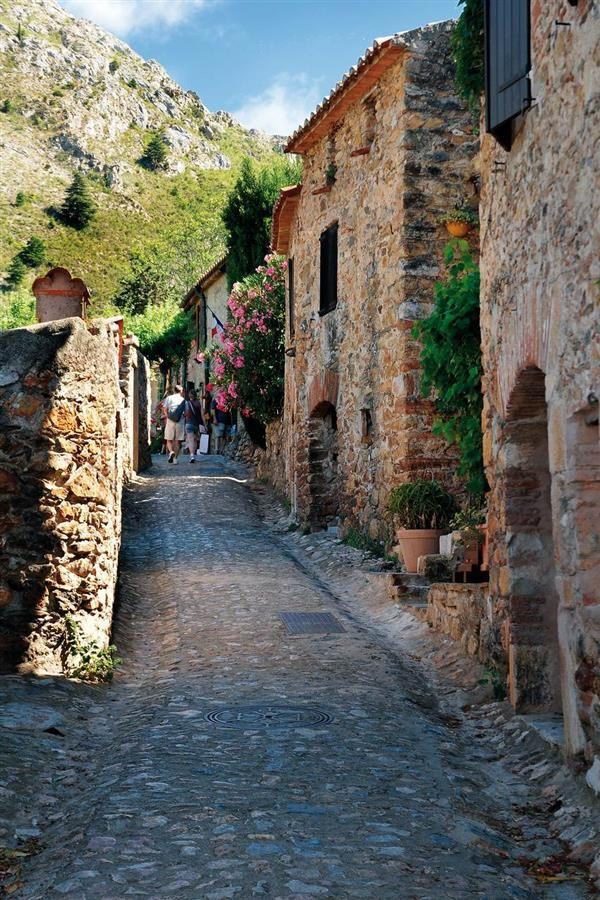 Castelnou - Pyrénées-Orientales - Les plus beaux Villages de France