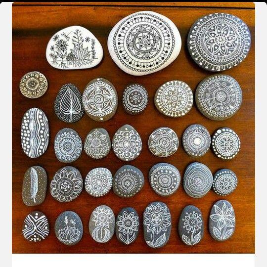 ber ideen zu bemalte steine auf pinterest steinmalerei bemalte steine und kies malerei. Black Bedroom Furniture Sets. Home Design Ideas