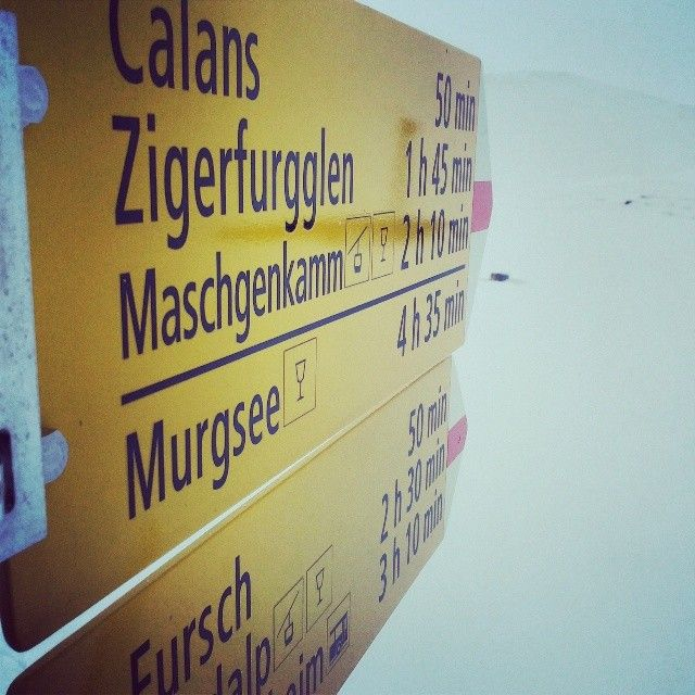 User @Heidiland Tourismus   #flumserberg #sign #way #orientation #heidiland #hiking #yellow #winter #swit...   Webstagram