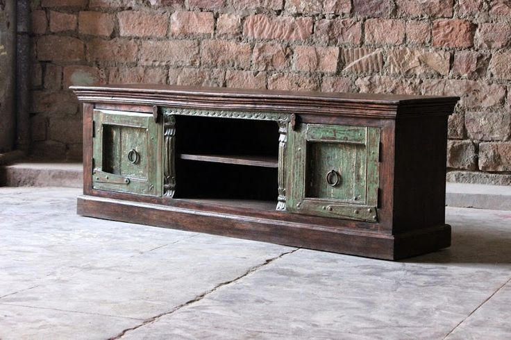 This Neela 'Unique Fortress Door' TV/Plasma Unit has got its name from the 100-200 year old fortress doors it is made of.
