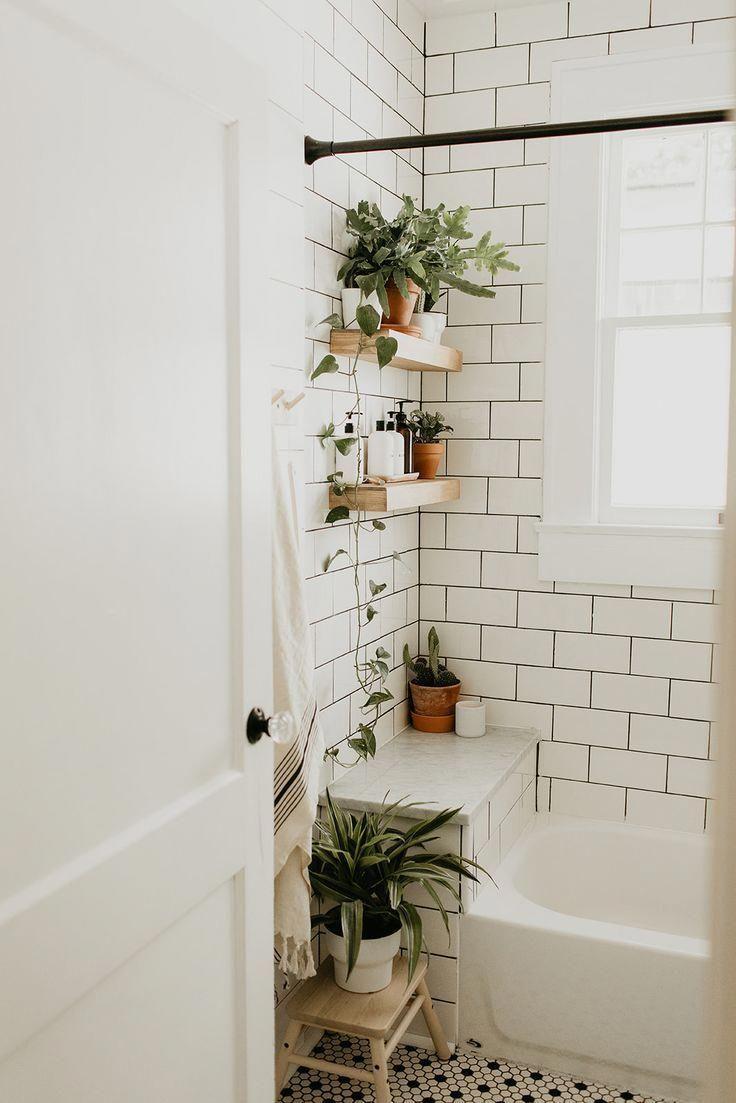 Abstellfläche vor badewanne in 20  Kleines bad dekorieren