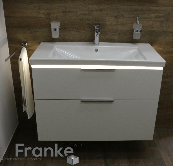 23 besten trendige waschtische bilder auf pinterest waschtisch badezimmer fliesen und fliesen. Black Bedroom Furniture Sets. Home Design Ideas