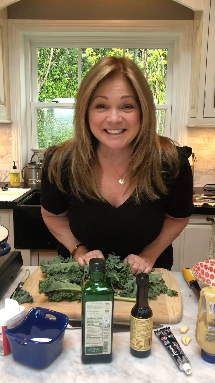 Valerie Bertinelli On Instagram Welcome To Our Dinner Party Giadadelaurentiis Guar In 2020 Food Network Recipes Food Network Valerie Bertinelli Valerie Bertinelli