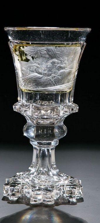 Seltenes Paar Pokale mit Mazeppa-Motiv Glas Neuwelt, Schnittausführung August Böhm zugeschrieben, um 1840 Farbloses, flächenfüllend mit Schäl-, Walzen- und Kerbschliff reich verziertes Glas